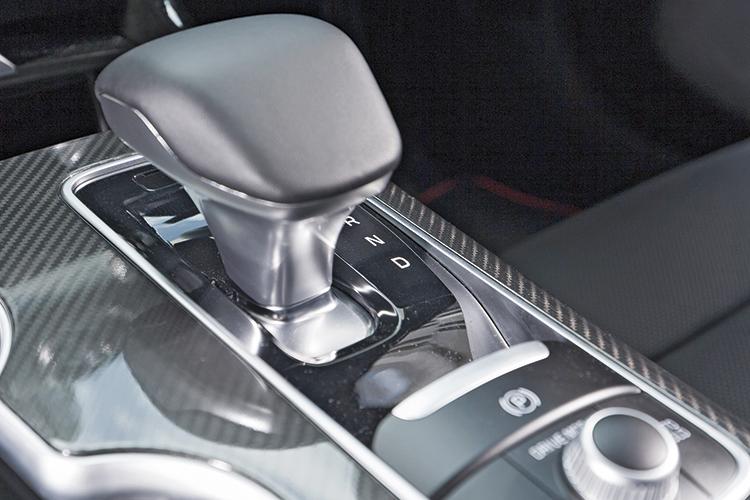 Kia Stinger GT-Line – Gearbox