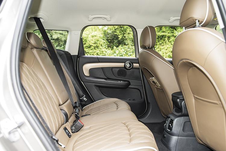MINI Cooper S Countryman – Backseat