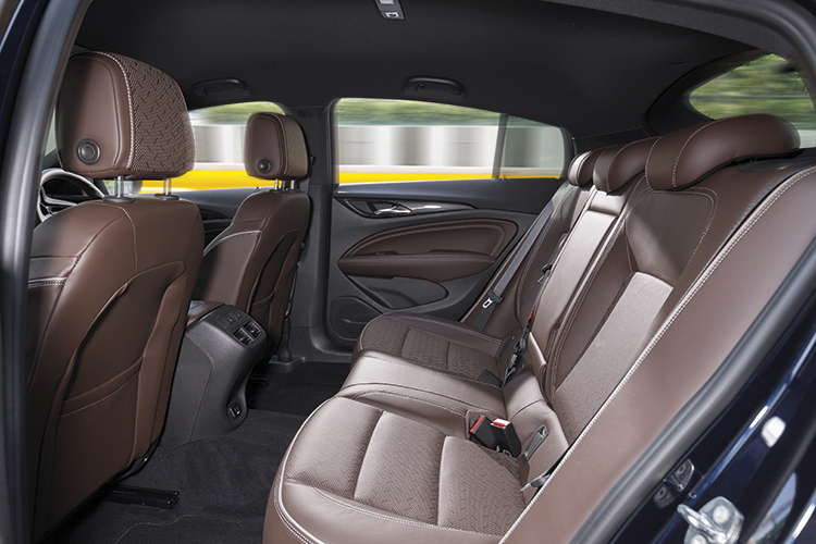 Opel Insignia Grand Tourer – Backseat