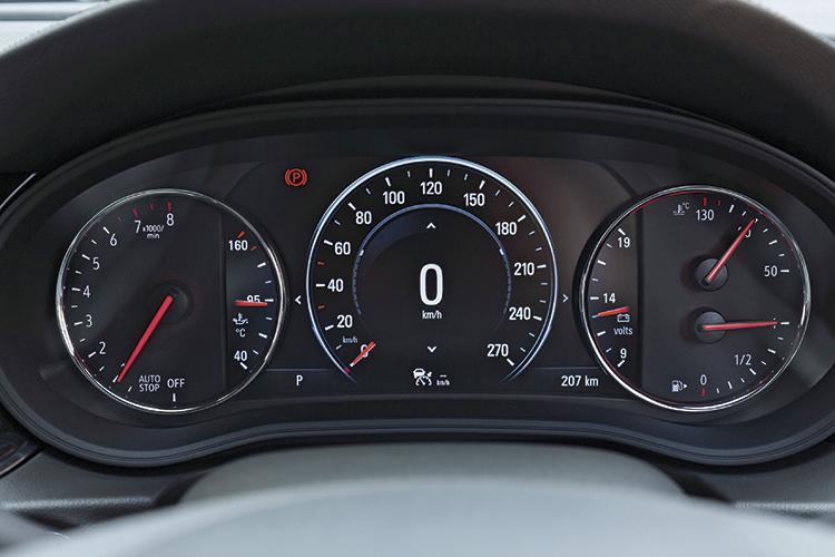 Opel Insignia Grand Sport – Meters