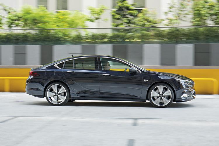 Opel Insignia Grand Sport – Ride & Handling