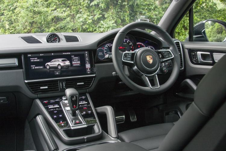 porsche cayenne s cockpit