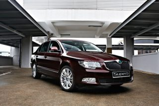 skoda superb front static