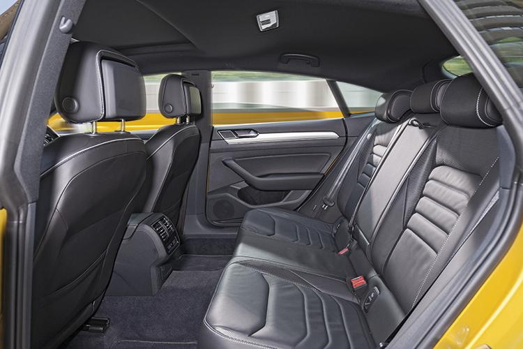 Volkswagen Arteon – Backseat