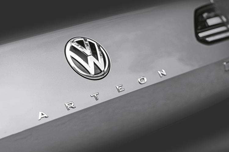 volkswagen arteon badge