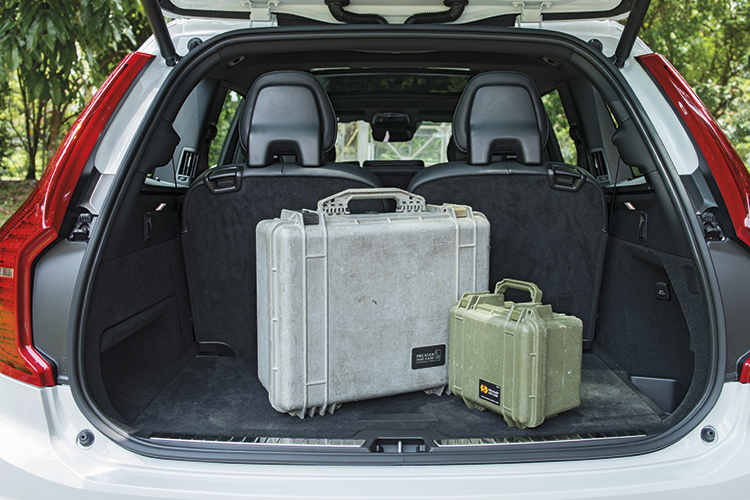 Volvo XC90's cargo hold is less convenient than the Range Rover Velar's.