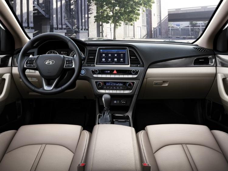2018 Hyundai Sonata – Cockpit