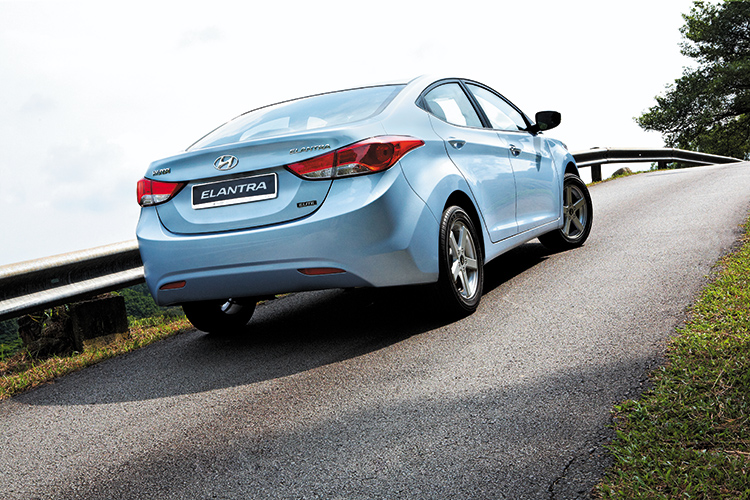 hyundai elantra rear static