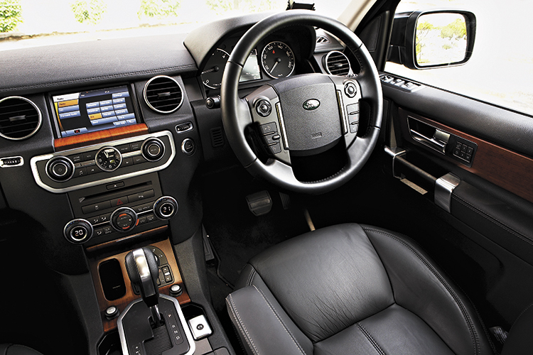 land rover discovery 4 cockpit