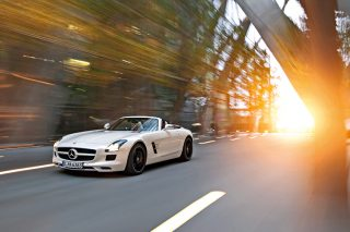 mercedes-benz sls amg roadster front tracking