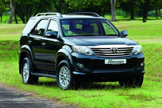 toyota fortuner front static