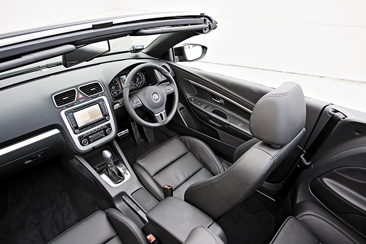volkswagen eos cockpit