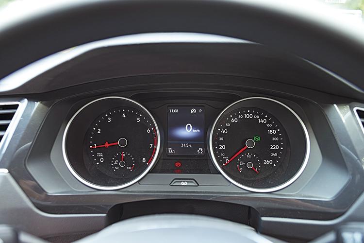 Volkswagen Tiguan – Meters