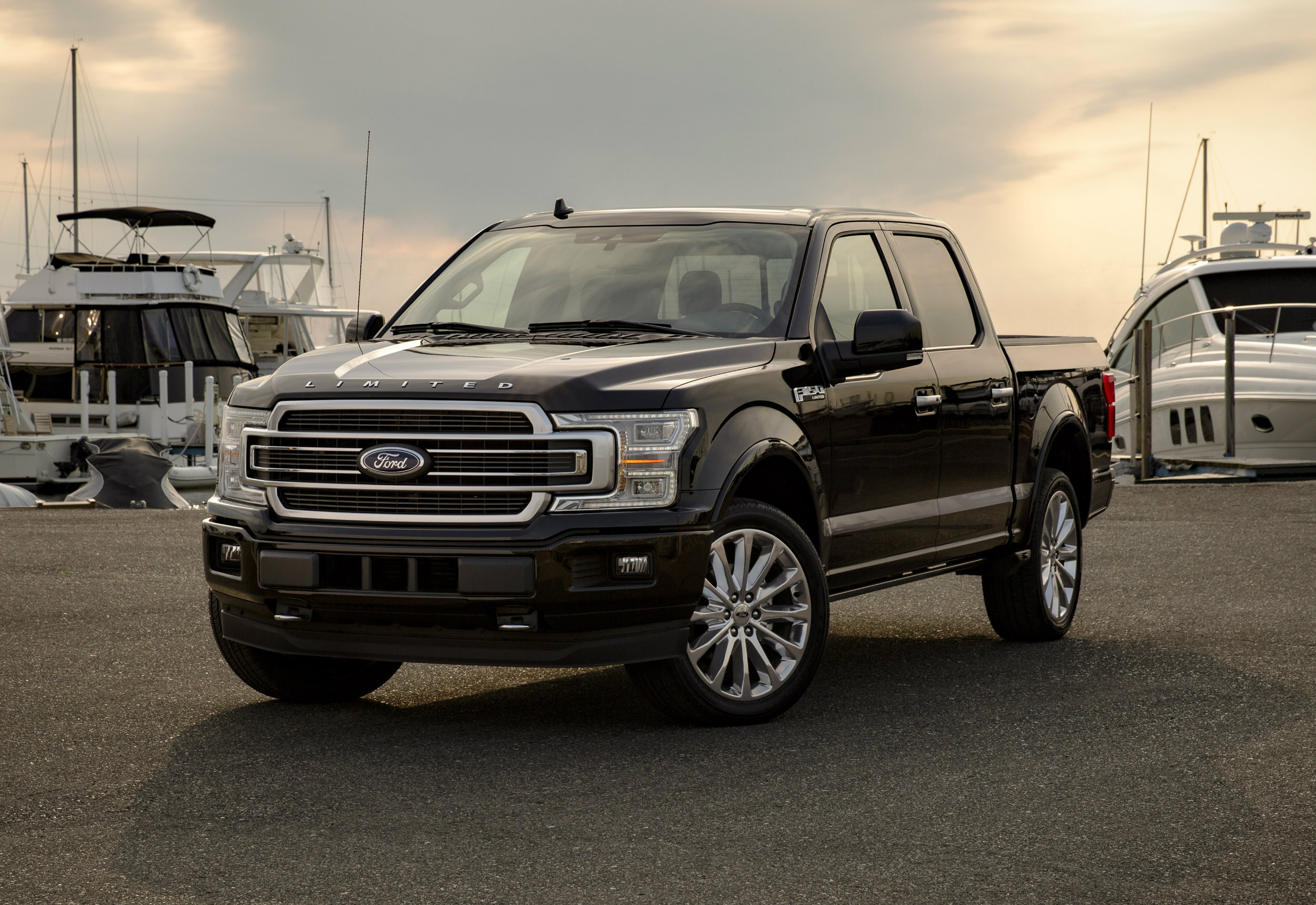 Rated at 450 horsepower and 691Nm of torque, the new Ford F-150 Limited leads the competition, offering more power than any light-duty pickup on the road in the USA.