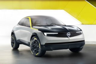 """The prototype expresses Opel's values of """"German, approachable, exciting"""", introduces the Opel Vizor hallmark face and debuts a """"Pure Panel"""" that redefines interior design with its visual and digital detox."""
