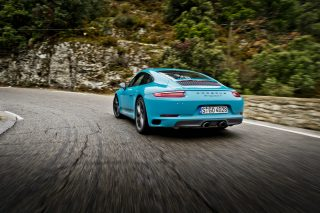 The new 7-speed manual 911T sits midway between the 911 Carrera and the 911 Carrera S.