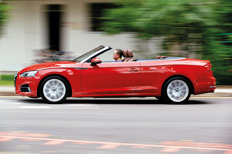audi a5 cabriolet in action