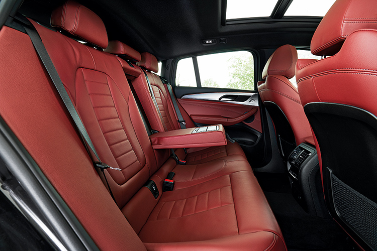 bmw x4 backseat