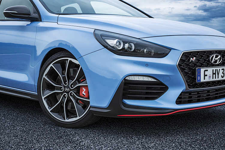 hyundai i30 n headlight and wheel