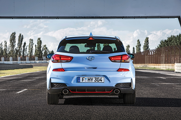 hyundai i30 n rear photo
