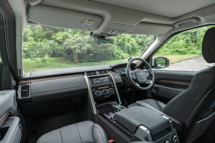 Land Rover Discovery – Cockpit