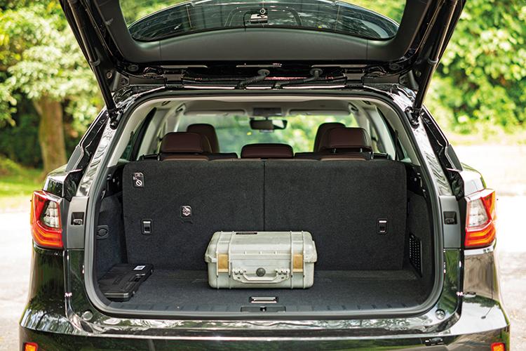Lexus RX350L – Boot