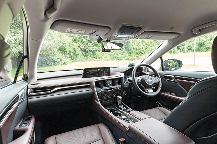 Lexus RX350L – Cockpit