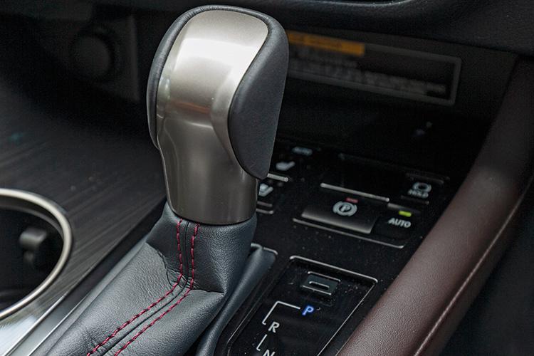 Lexus RX350L – Gearbox