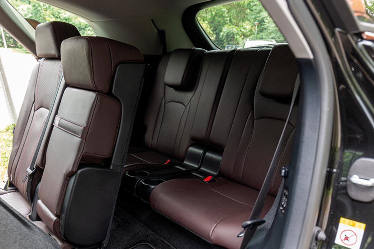 Lexus RX350L – Third Row