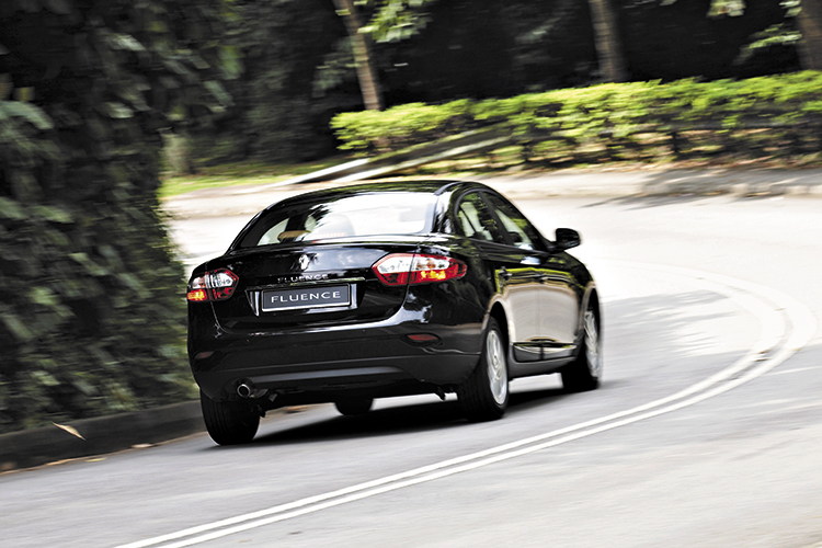 renault fluence rear panning