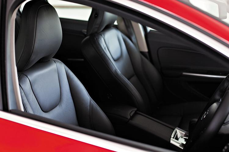 volvo v60 t4 interior
