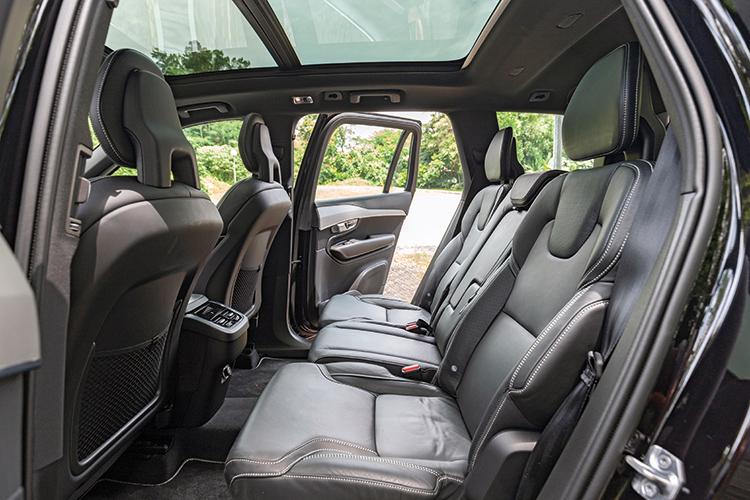 Volvo XC90 – Second Row
