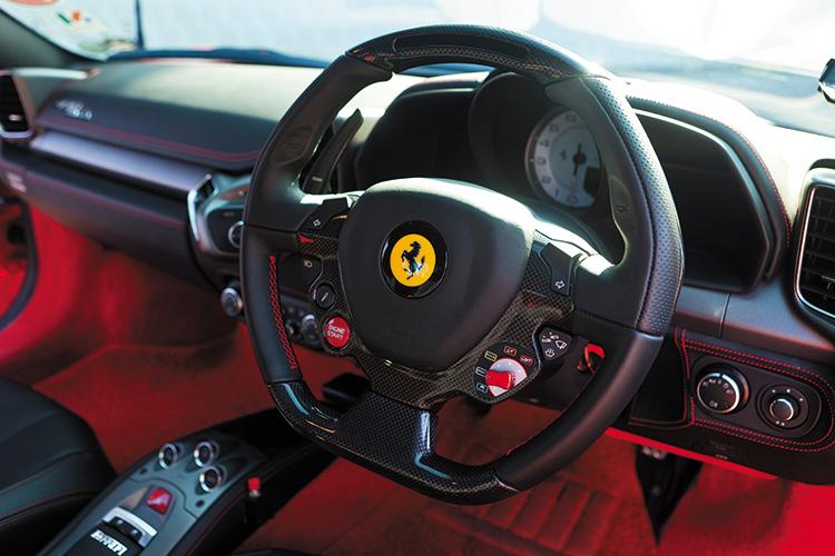 ferrari 458 italia cockpit