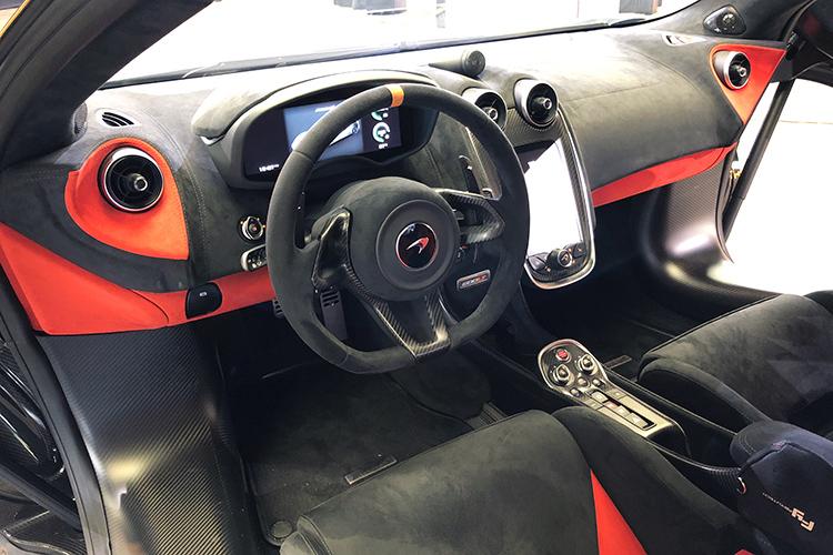 McLaren 600LT – Cockpit