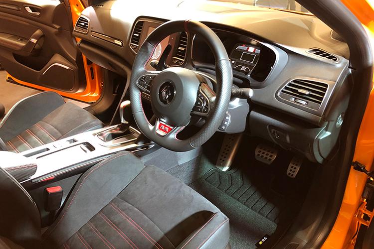 renault megane rs cockpit