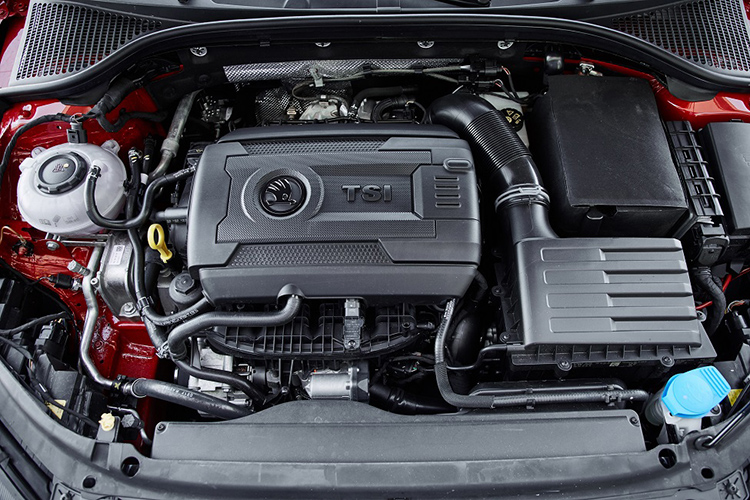 Skoda Octavia RS245 – Engine
