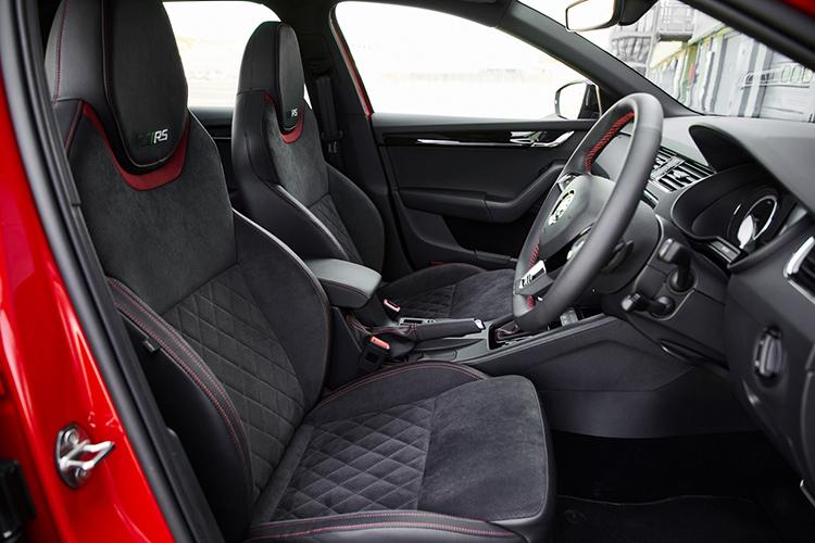 Skoda Octavia RS245 – Cockpit