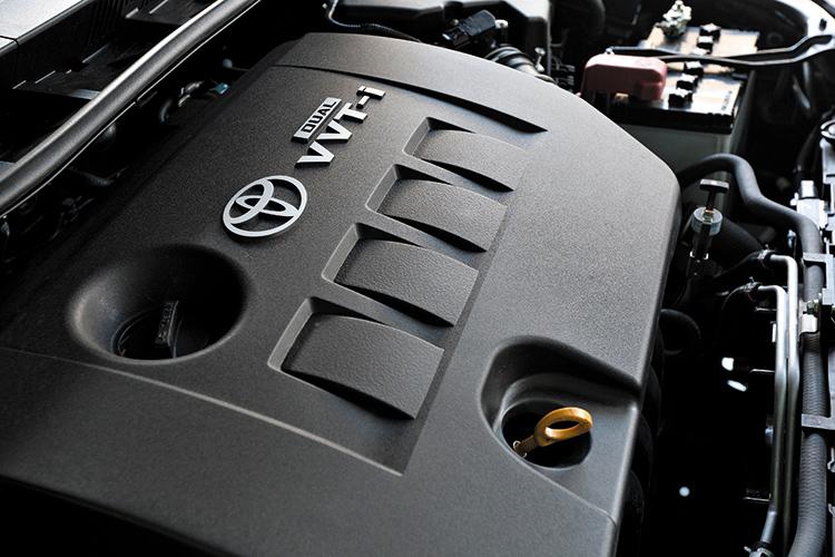 toyota corolla altis engine