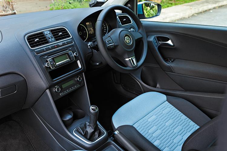 volkswagen polo bluemotion cockpit
