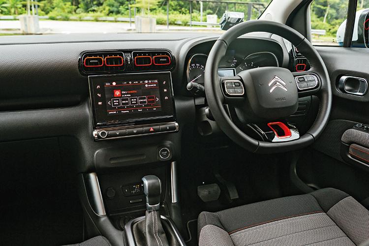 citroen c3 aircross cockpit