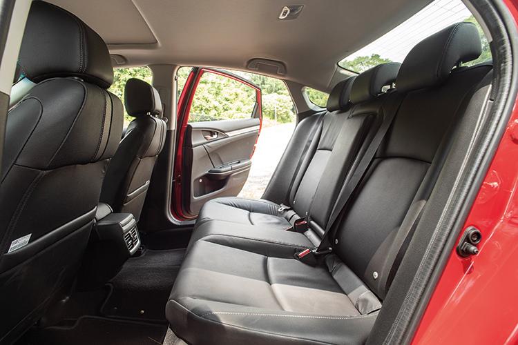 Honda Civic – Backseat