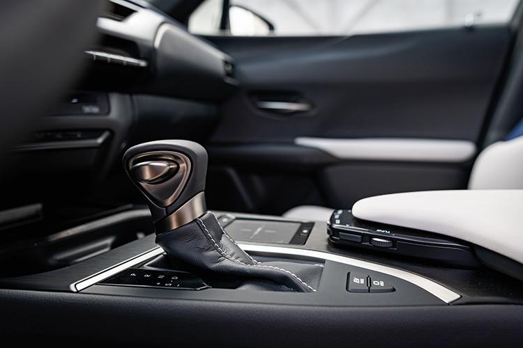 lexus ux gearshift lever
