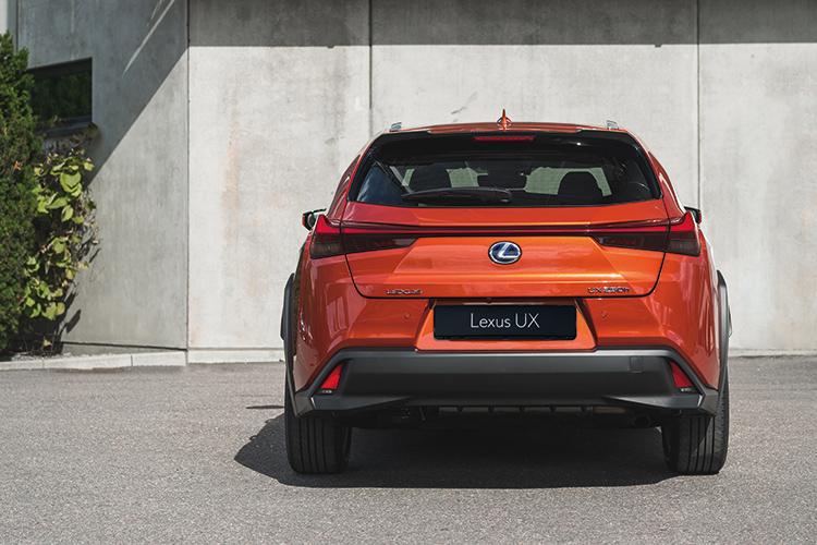 lexus ux rear static