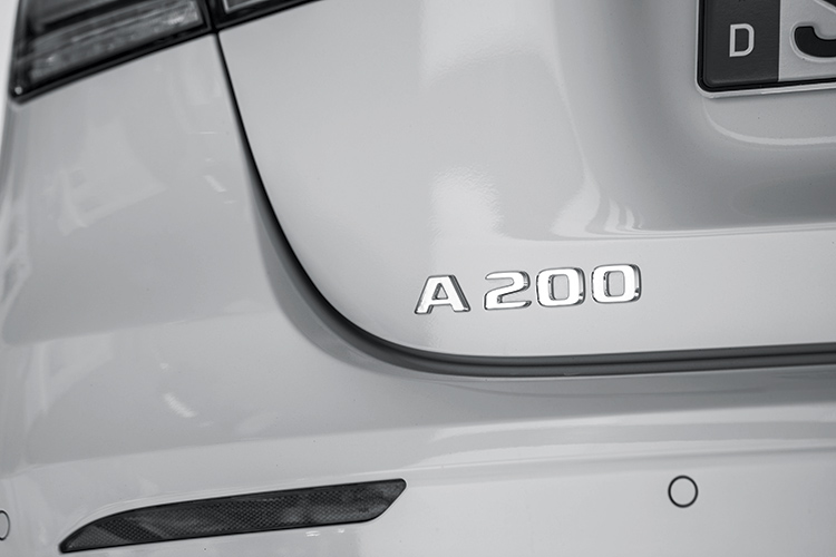 mercedes-benz a-class a200 badge