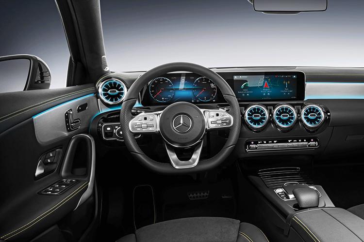 mercedes-benz a-class cockpit