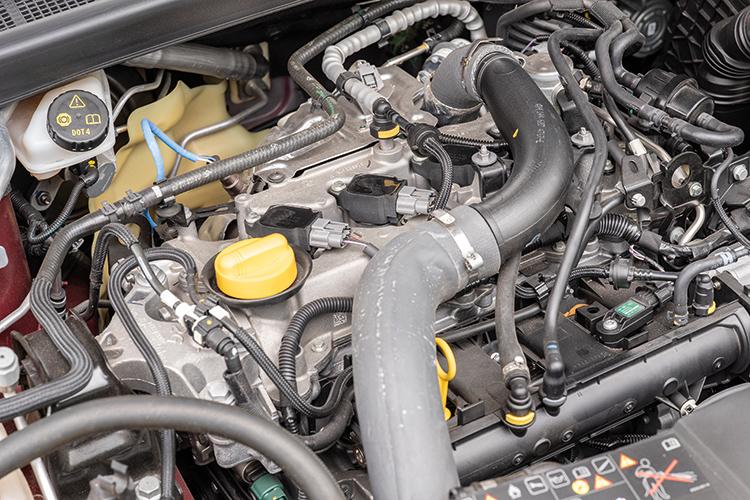 Renault Megane Sedan – Engine