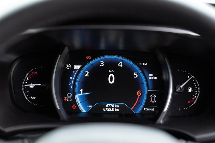 Renault Megane Sedan – Meters