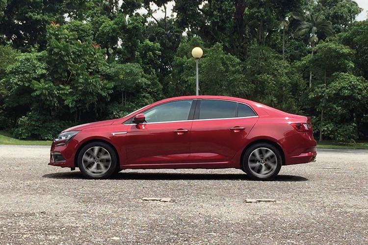 Renault Megane Sedan – Ride & Handling