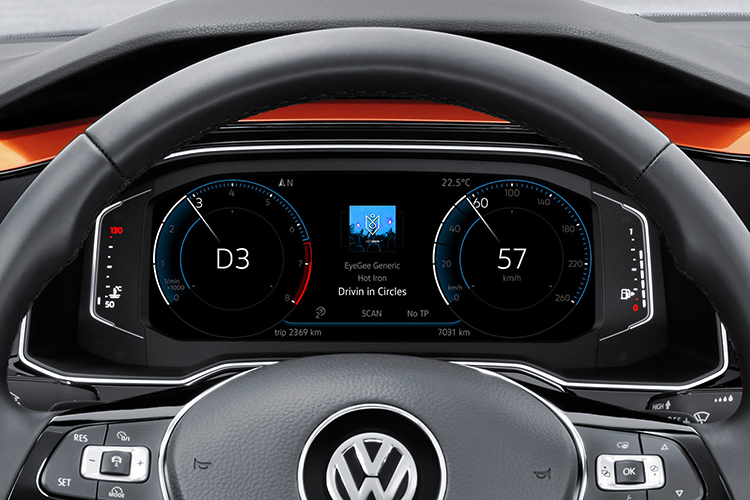 volkswagen polo active info display