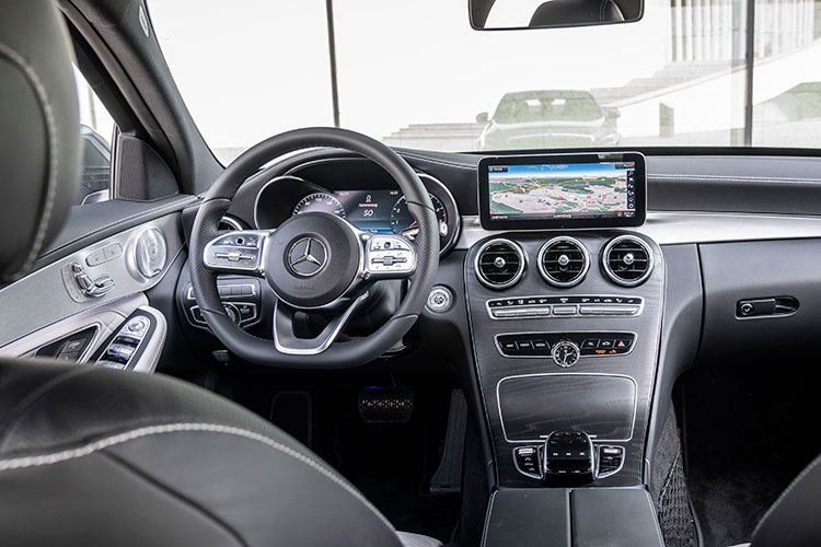 mercedes-benz c200 cockpit